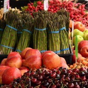 Étal de fruits et légumes au Marché de Gros de Tours